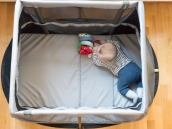 AeroMoov_Instant_Travel_Cot_barnvagnsinspo_AeroMoovInstantTravelCot_resesang_pop_play_sleep